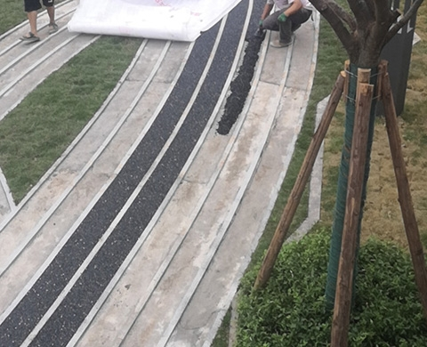 重庆沙坪坝大学城文旅城、胶粘石